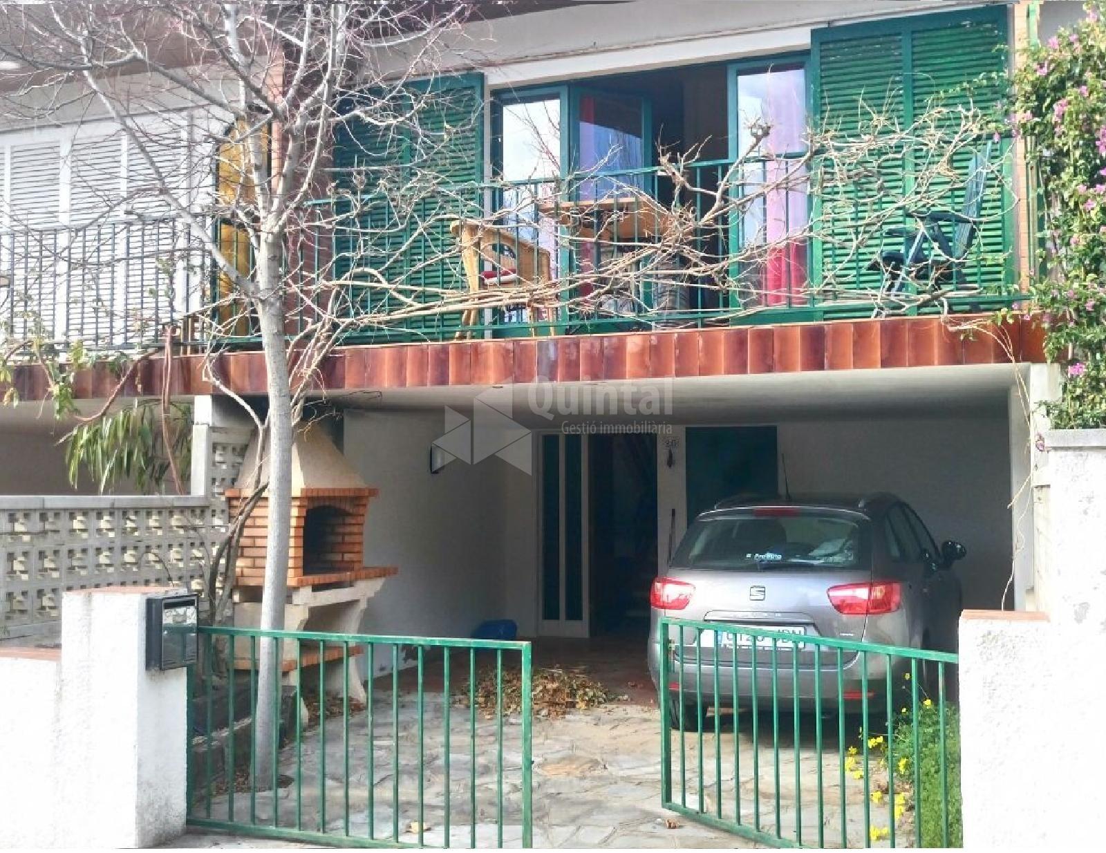 Casa Adossada
