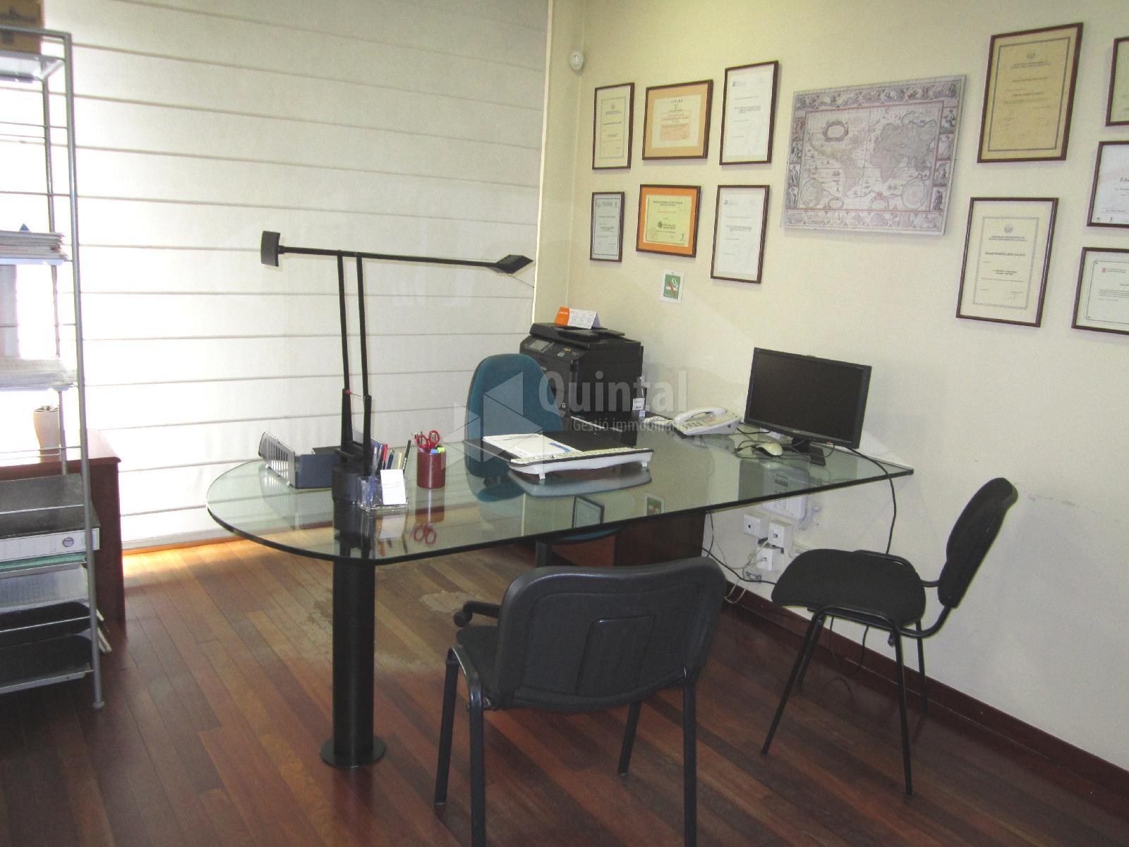 Oficina a la Devesa