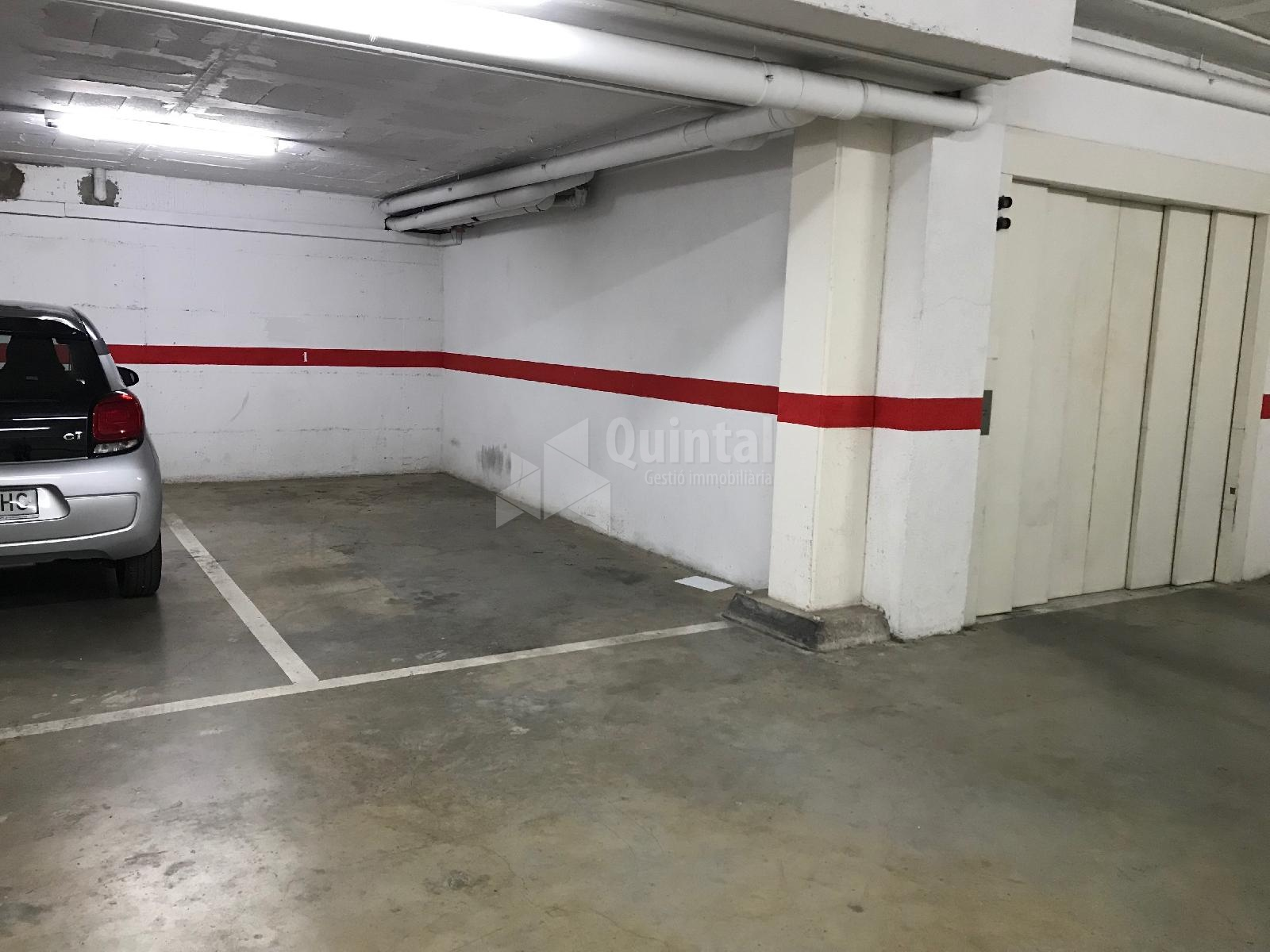 Plaça d'aparcament